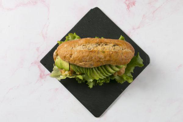 Vegetar sandwich med avokado Café Freunde Trekroner