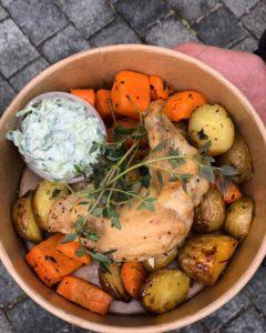 Kylling og ovnbagte grøntsager, Café Freunde
